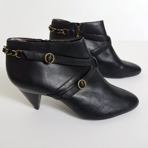DKNYC booties black leather Ethel 9.5 gold chains